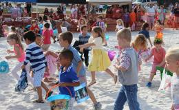 Egg-citing Times at the Dolphins Plus Easter Egg Hunt!